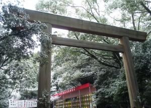 熱田神宮の中央にある鳥居です